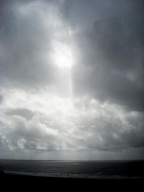 Tsunami sky, Trisha Lurie